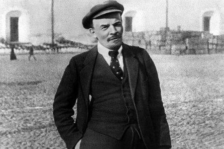 Миф о завещании Ленина похоронить его на Волковском кладбище